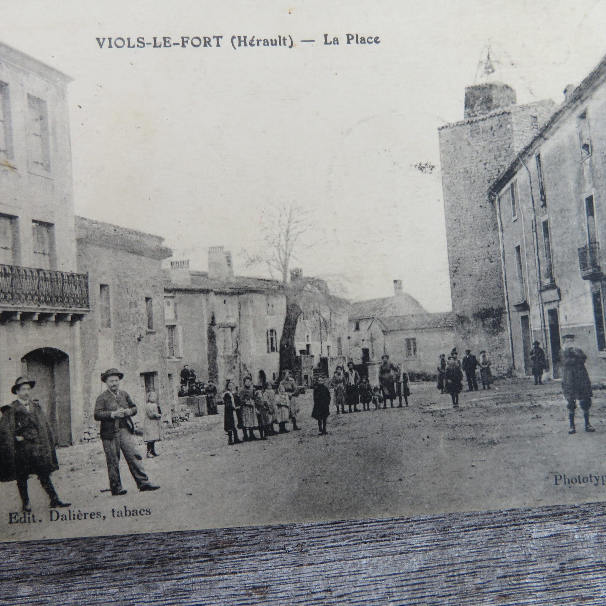 Violiens 1914 sur la place